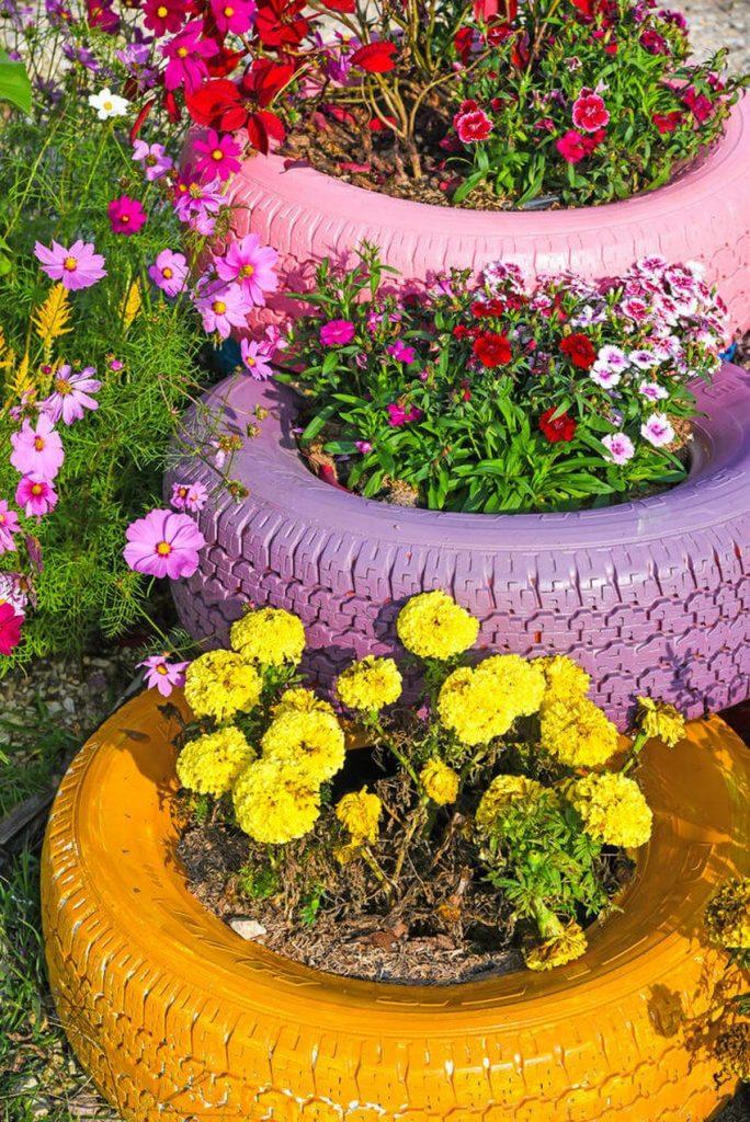 Сажаем цветы в шины 56